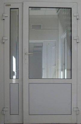 Служебная алюминиевая дверь