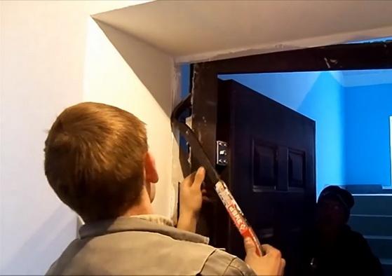 демонтаж и установка железных дверей