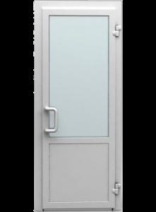 Входная дверь пластиковая со стеклопакетом