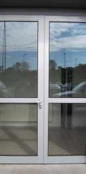 Полуторная алюминиевая дверь